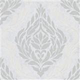 Vliesové tapety IMPOL Carat 2 zámecký vzor stříbrno-bílý na bílém podkladu