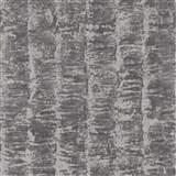 Luxusní vliesové tapety na zeď G.M.Kretschmer Deluxe pruhy stříbrné na šedém podkladu