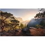 Vliesové fototapety Hefele Yosemitské tajemství, rozměr 450 cm x 280 cm