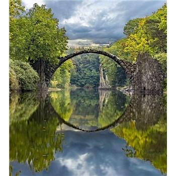 Vliesové fototapety obloukový most rozměr 225 cm x 250 cm