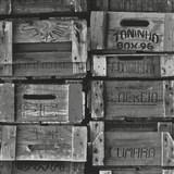 Vliesové tapety na zeď Times - bedny šedé