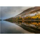 Vliesové fototapety mystické jezero ve skotsku rozměr 368 cm x 254 cm